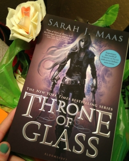 throne-of-glass-book-mail